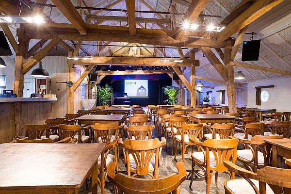De Boerderij Huizen : Theaters de kern ontmoetingshuis